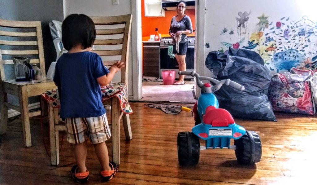 Jugar y trabajar: maternidad en cuarentena