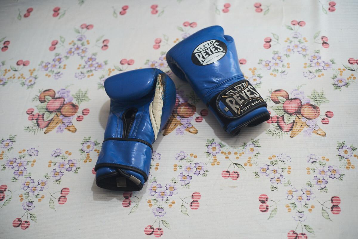 Guantes de la boxeadora mexicana Paty Trejo
