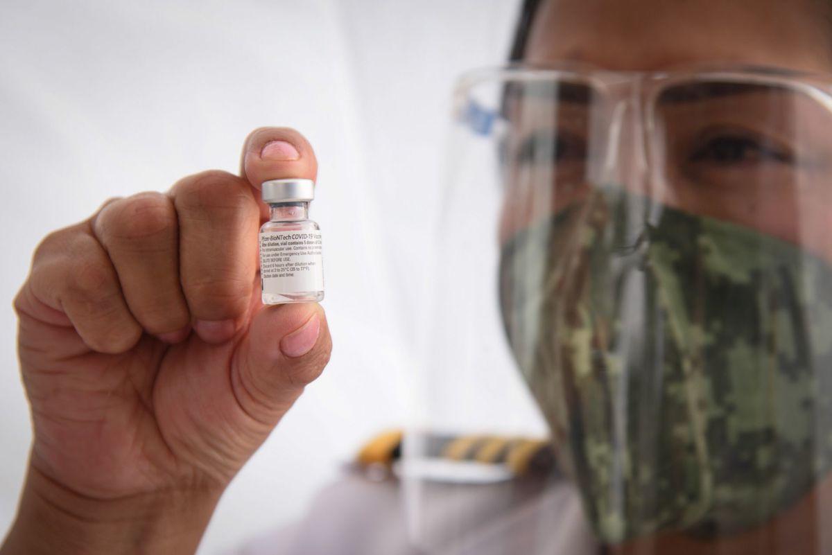funcionarios agandallan vacunas covid, coronavirus, Secretaría de Salud de la Ciudad de México